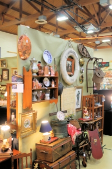 Bloomfield Charity Antiques Show.3.JPG